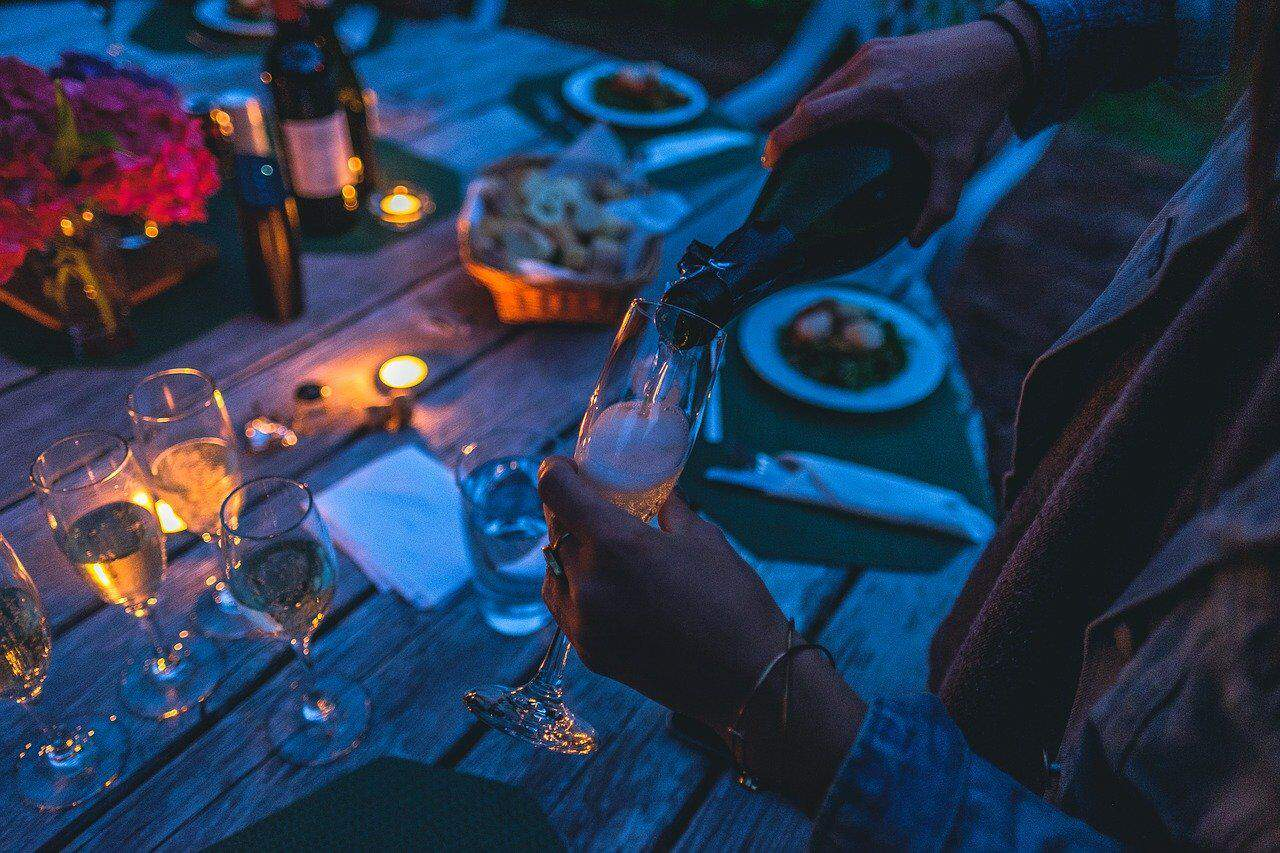 How To Do Date Night In Your Apartment While Social Distancing