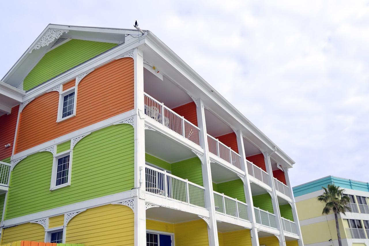 Cass Lake, Michigan: Vacation Rentals vs. Apartments